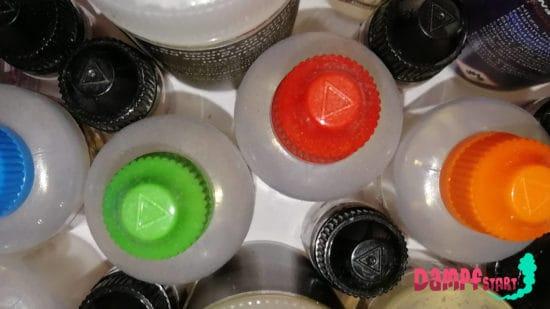 Liquid zum Dampfen in verschiedenen Flaschen.